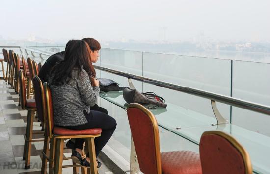 Sunset Westlake Hanoi Hotel : relax area