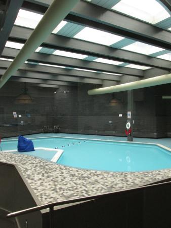 Radisson Hotel-Utica Centre: Indoor Pool