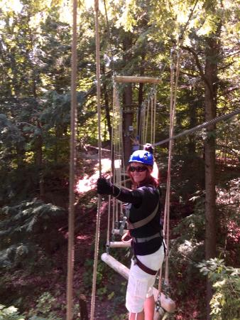 Barrie, Canada: more swinging logs to walk on
