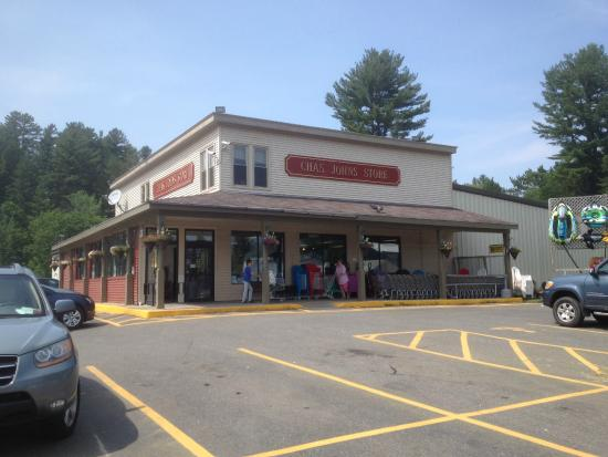 Speculator, État de New York : Charlie Johns Store (front view)