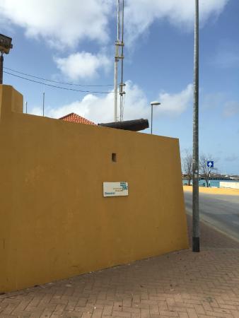Fort Oranje: Canhões