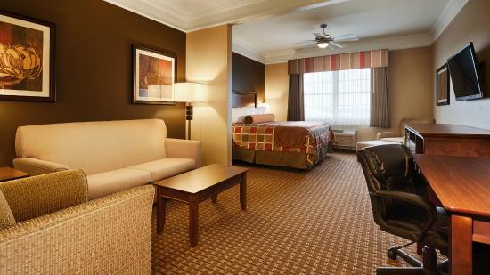 Best Western Plus Easton Inn & Suites: King Studio Suite
