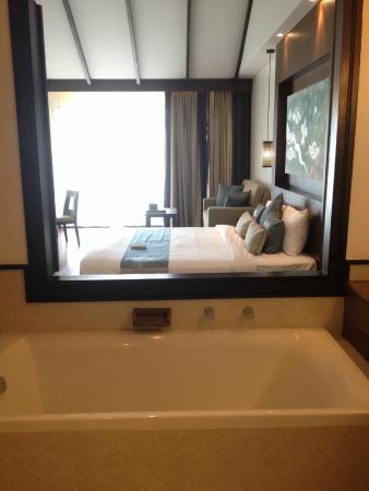 The Elements Krabi Resort: อ่างอาบน้ำ