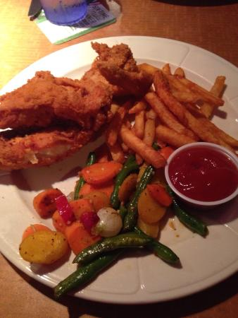 Sportsman's Grille: Two piece broasted chicken