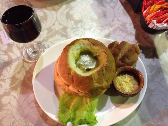 Sanduiche Beiruth : Fachada e creme de ervilha