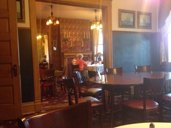 Landmark Restaurant at Old Rittenhouse Inn: The dining room.