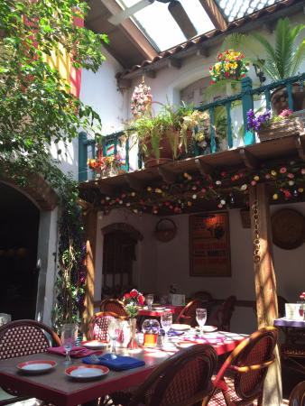 Don Ricardo's Restaurant: Patio room
