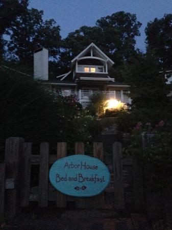 Arbor House of Black Mountain: Arbor House