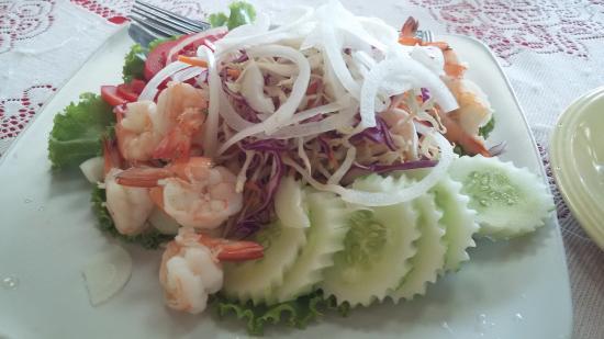 Baan Kai Bae Seafood: Мой салат с креветками!