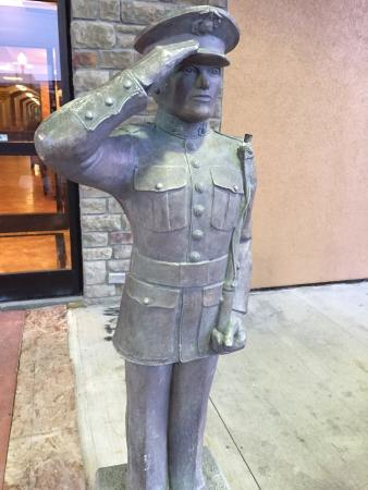 Best Western J. C. Inn: Tribute to Military