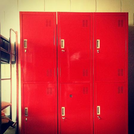 St. Kilda Beach House: New lockers