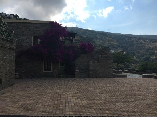 Anastasia Traditional houses: House