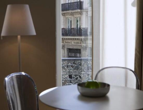 Residence Nell: Lovely Paris view