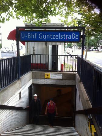 Atrium Hotel Berlin : Hotellet ligger i et hyggelig og stille område med koselige kafeer og restauranter. Anbefaler sp