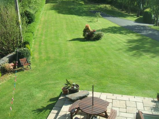 Penaber Bed & Breakfast : The view of the grounds from Room # 2