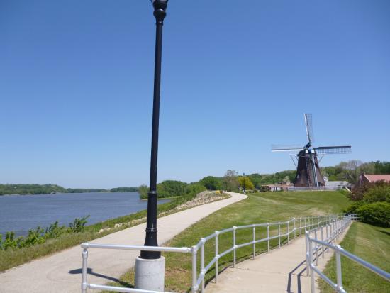 De Immigrant Windmill: Zicht op rivier