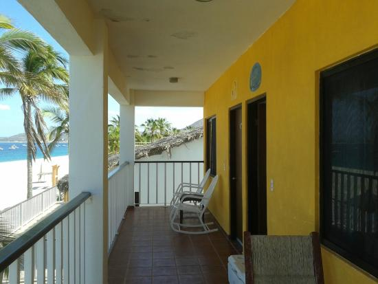 Martin Verdugo's Beach Resort: Balcony