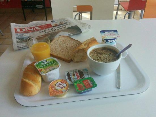 Premiere Classe Strasbourg Sud - Illkirch : Petit-déjeuner