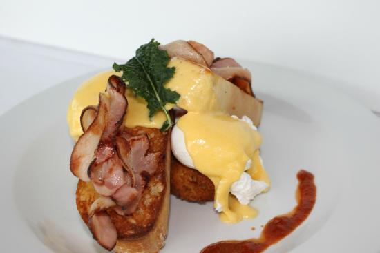 New Plymouth, Nya Zeeland: Eggs benedict with bacon