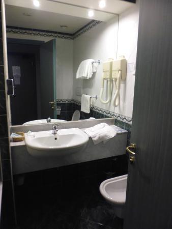 bagno - Foto di Piramidi Hotel, Torri di Quartesolo - TripAdvisor