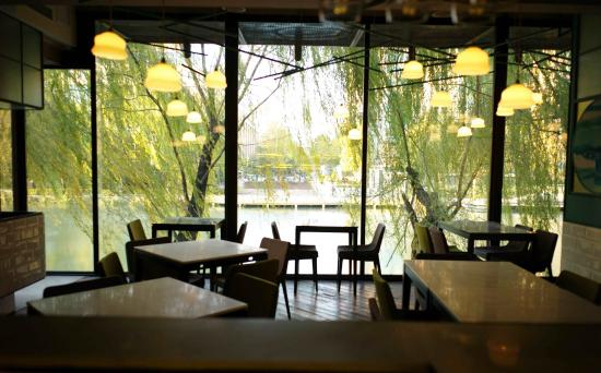 Fiume - Casual Italian by Mercante : View of the river