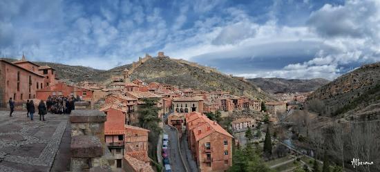 Albarracin, Espanha: Albarracín desde uno de sus miradores.