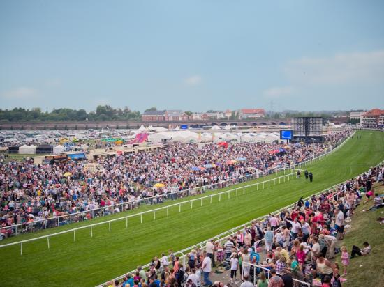 ‪Chester Racecourse‬