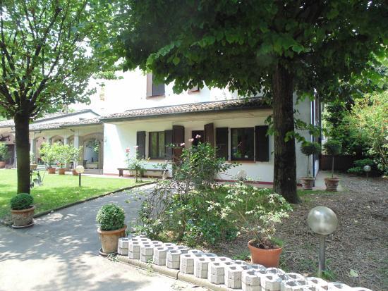 Roncole verdi geburtshaus picture of casa giovanna for Esempi di giardini