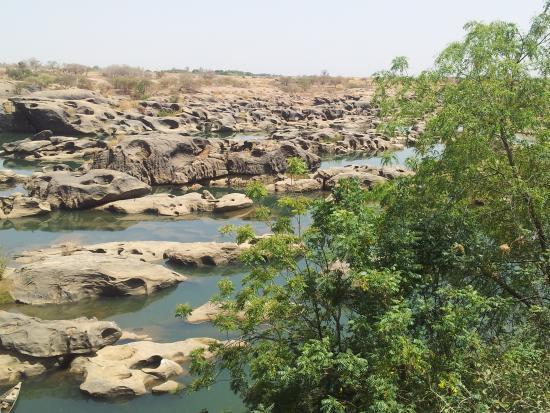 Kayes, Mali: Les chutes qui sont devenues saisonières