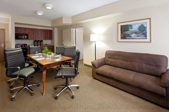 Country Inn & Suites By Carlson, Newark Airport: CountryInn&Suites NewarkArpt Extended Stay Suite