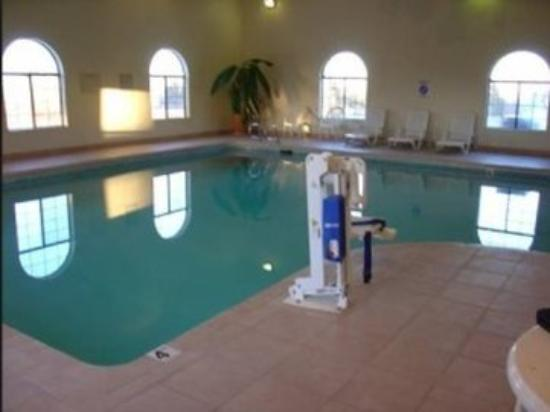 Navajoland Inn & Suites: Pool