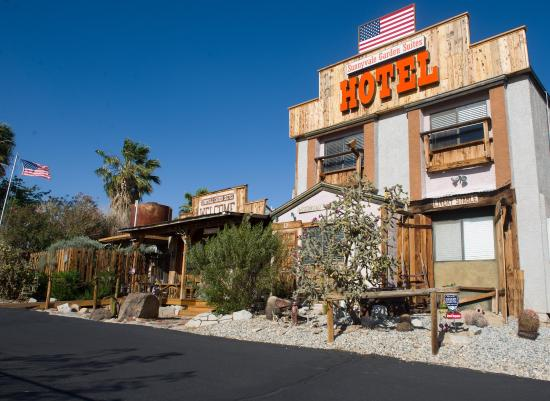 Sunnyvale Garden Suites Hotel - Joshua Tree National Park: Exterior view