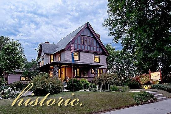 Cedar Rose Inn Bed and Breakfast: Historic
