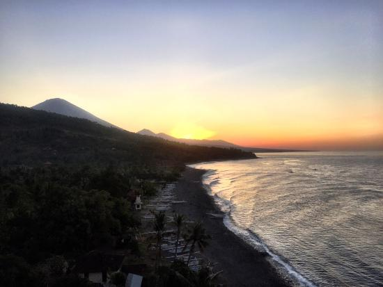 Bali Waenis Sunset View : Best Sunset View in Amed
