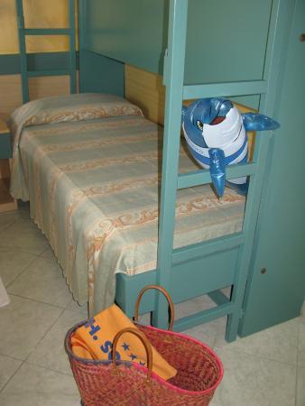 Hotel Solidea: letto a castello n stanza familiare