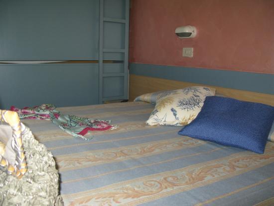 Hotel Solidea: stanza familiare/tripla