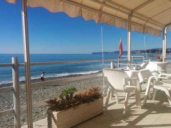 Saletta tv foto di hotel savoy varazze tripadvisor - Terrazzi sul mare ...