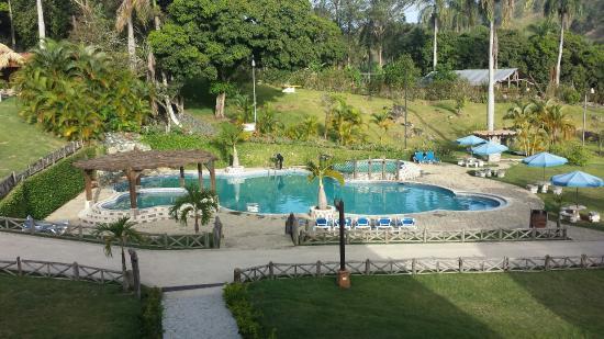 Rancho las guazaras un para so en las monta as de for Villas en jarabacoa