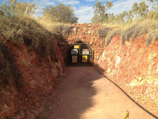 Battery Hill Mining Centre: Mine entrance