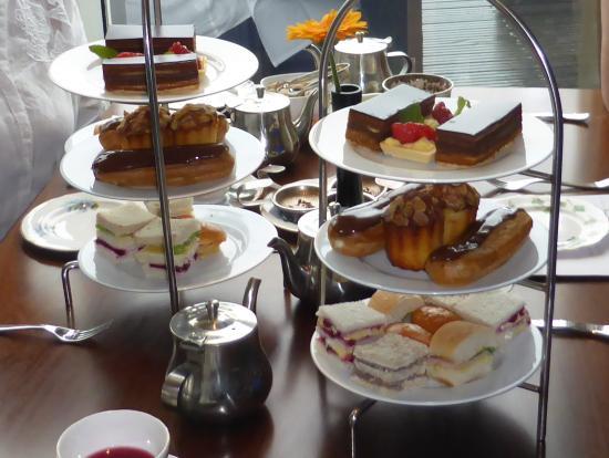 Tempus at Tides Restaurant & Bar: Afternoon tea for four