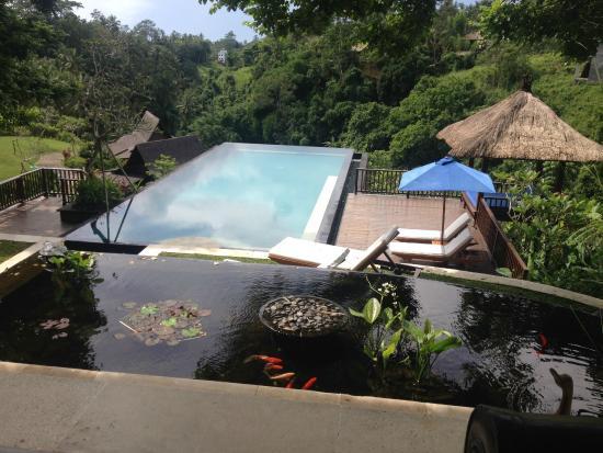 Amori Villas: Infinity pool