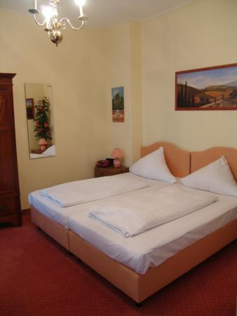 Hotel Galleria: Guest Room