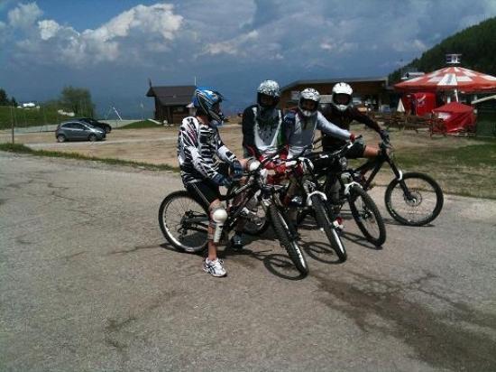 Monte Bondone, Italien: Noleggio e discese in bike Downhill