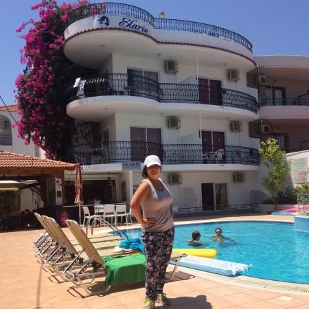 Elarin Studios & Apartments: Отличный отель. Очень добрые и  отзывчивые хозяева! Обслуживание супер. Чистота, уютно очень. Ат