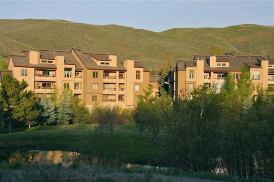 Elkhorn Village Condos : IMG