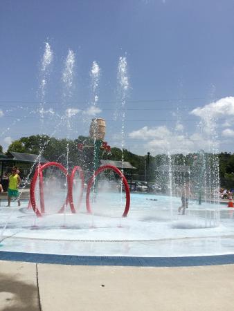 sevierville park splash pad sevierville family aquatic center at sevierville city park