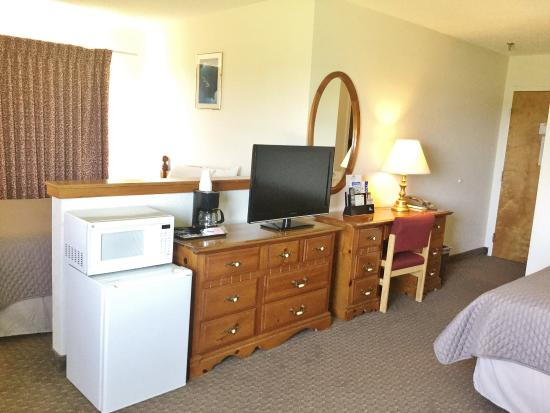 Cabool, MO: In Room Amenities