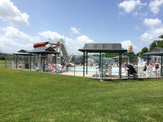 Sevierville Park: Sevierville Family Aquatic Center at Sevierville City Park from parking lot