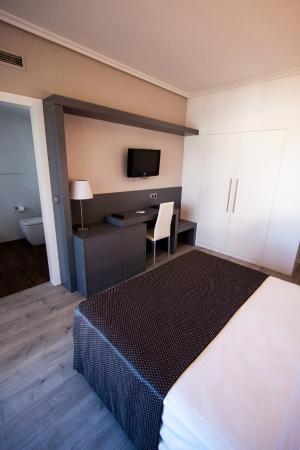 Hotel Inffinit Sanxenxo: Cama matrimonio
