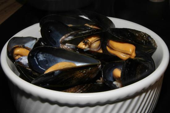 Honest Weight: Steamed Saltspring Island Mussels